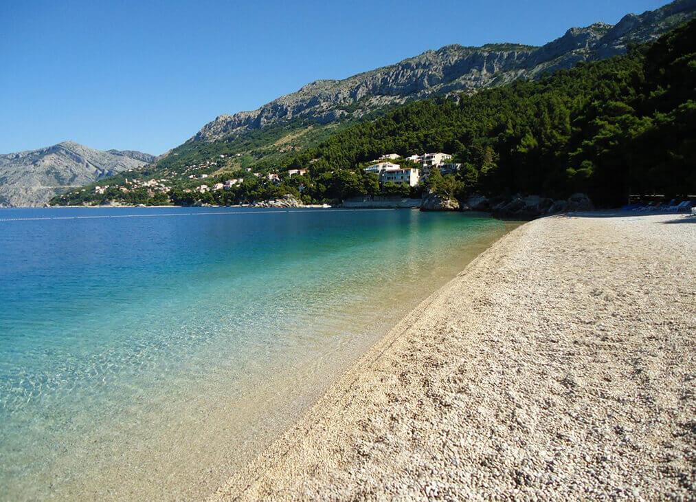 pláž Punta Rata, Brela, Chorvátsko